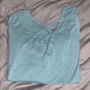long sleeve active wear shirt with opened back!